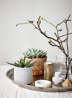 Decorar con bandejas, composiciones sencillas y bonitas | Decorar tu casa es facilisimo.com