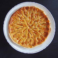 Auf den letzten Metern des Augusts ist mir das Rezept für die beste Aprikosentarte in die Hände gefallen in dem Buch Pastry von Richard Bertinet. Dass die Umarmung von Vanillecrème und Aprikose ein...