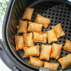 Easy Air Fryer Recipes for Families + Free Cook Time Printable Pizza Egg Rolls, Homemade Pizza Rolls, Making Homemade Pizza, Totinos Pizza Rolls, Air Fryer Potato Chips, Frozen Biscuits, Crispy French Fries, Frozen Pizza, Air Fryer Recipes