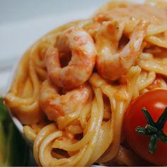 Krämig tomatpasta med räkor - Victorias provkök Shrimp Pasta, Fish And Seafood, Seafood Recipes, Macaroni And Cheese, Food Porn, Food And Drink, Veggies, Healthy Recipes, Yummy Recipes