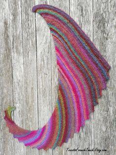 Wool Cape woman shawl. Fashion accessory winter woolen woman or teen girl.  Shawl very soft yarn. Woman 19 Christmas gift. Echarpe Laine ... 77fc0a5af93