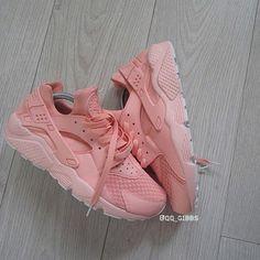 shoes pastel sneakers nike shoes huarache style fashion trendy pastel