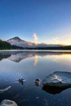 Trillium Lake Sunrise by Daniel Cheong