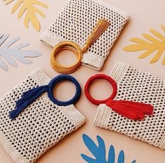 Crochet purse clutch ganchillo New ideas Crochet Handbags, Crochet Purses, Crochet Clutch, Crochet Bags, Crochet Diy, Love Crochet, Beautiful Crochet, Crochet Shell Stitch, Crochet Stitches