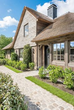 View the full picture gallery of Traditional House Belgian Style, Mansions Homes, Dream House Exterior, House Extensions, Types Of Houses, Traditional House, Cabana, House Colors, Future House