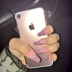 Opting for bright colours or intricate nail art isn't a must anymore. This year, nude nail designs are becoming a trend. Here are some nude nail designs. Dope Nails, Nails On Fleek, Pink Nails, Glitter Nails, Uñas Fashion, Cute Acrylic Nails, Birthday Nails, Nagel Gel, Gorgeous Nails