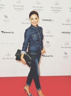 Nazan Eckes - Fashion Week Berlin Ampersand As Apostrophe Mailbag Clutch