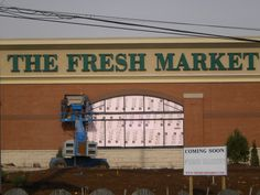 The Fresh Market Channel Letter Sign, Louisville  #thefreshmarket #channelletters #commonwealthsign #commonwealthsignco #businesssigns