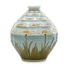 View Exceptional Della Robbia vase with daisies by Roseville Pottery Company on artnet. Browse upcoming and past auction lots by Roseville Pottery Company. Pewabic Pottery, Roseville Pottery, Pottery Games, Pottery Art, Pottery Ideas, Expensive Art, Terracota, Vintage Planters, Le Far West