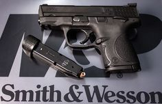 Smith & Wesson M&P 9 compact 9mm