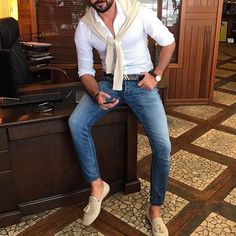 Men's business casual fashion look complete with sweater over the shoulders tied at the chest Mens Fashion Suits, Mens Suits, Casual Outfits, Fashion Outfits, Fashion Sale, Fashion Fashion, Runway Fashion, Paris Fashion, White Shirt Outfits