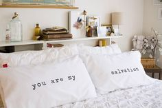 another master bedroom pillow idea.