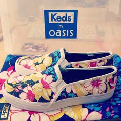 The Jet Setter #PerfectlyPaired  Shop now at: http://www.oasis-stores.com/keds-floral-skater/shoes/oasis/fcp-product/6700014100