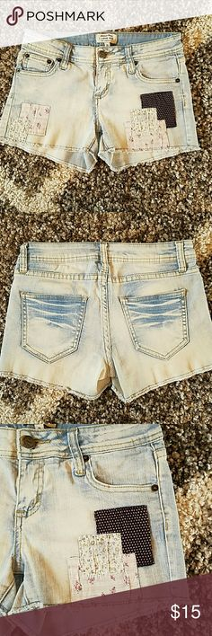 Disine shorts Nice disine shorts. Worn once  Excellent condition I love H81  Shorts