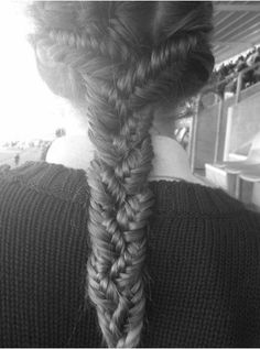 Pinterest Trend du Jour: Hair Braiding No Average Woman could Possibly Achieve (Article via link)  We've got fishtails, french crowns, greek style, cage buns, cross plaits and five strands– who knew there were so many impossibly intricate ways to braid hair. Are there braiding schools I missed out on? #Hair