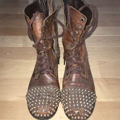 Steven Madden studded troopa boot Great condition Steve Madden Shoes Combat & Moto Boots