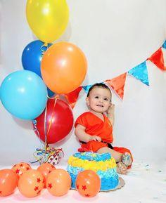 Smash cake dragón ball Goku niño Goku Birthday, Baby Boy 1st Birthday Party, 1st Birthday Cake Smash, Ball Birthday Parties, Dragon Birthday, Birthday Party Decorations, Fotos Dragon Ball, Naruto Party Ideas, Dragonball Z Cake