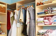 """En Trucos de hogar caseros hemos encontrado un tip de lo más curioso y económico que resulta ideal para eliminar la humedad de los armarios y evitar que su olor se impregne en nuestras prendas de ropa.  """"La humedad en armarios o cajones puede hacer que la ropa se estropeé, huela mal e incluso pued"""