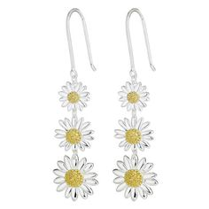 Daisy London Womens Silver Triple Drop Silver Daisy Earrings (165 CAD) ❤ liked on Polyvore featuring jewelry, earrings, accessories, daisy, silver earrings, daisy earrings, earring jewelry, fish hook jewelry and earrings jewellery