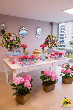 Candy bar de bautizo con flores2