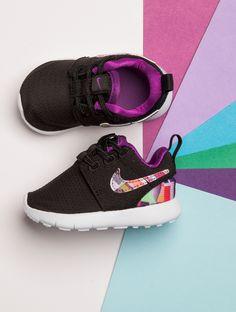 Technicolour dreams Kid Shoes, Baby Shoes, Toddler Nikes, Nike Roshe, Shoe Shop, Cool Kids, Balenciaga, Trainers, Footwear