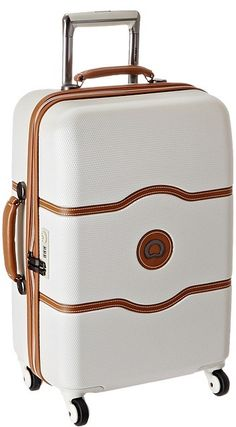 The dreamiest carry on suitcase. Perfect for upcoming travels through Europe or studying abroad.