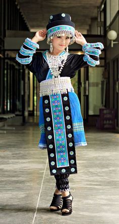Hmong Clothing (Fashion History: Angkorian traditional singers wear clothes like this during their performances and outside during court life to display their position of honor, for singing was considered an art. This practice fell out of favor during Daichi Shibati's reign, as well as his father's, and was brought back by his daughter, Mai, who was a renowned singer herself)
