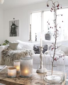 love the neutral colours Living Room Candles, Living Room Decor Inspiration, Piece A Vivre, Flameless Candles, Candle Centerpieces, Scandinavian Living, Home And Deco, White Houses, Shabby Chic Decor
