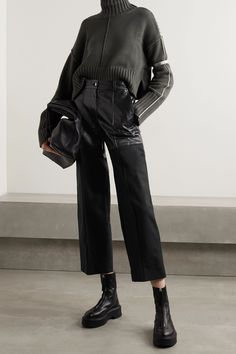 Loose Pants Outfit, Leather Pants Outfit, Edgy Outfits, Mode Outfits, Fashion Outfits, Mode Ootd, Style Minimaliste, Minimal Fashion, Straight Leg Pants