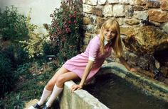 France Gall (Full on Suzy Bishop outfit?)