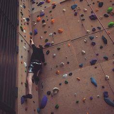 Spider-Man wannabe.  #spiderman #wallclimbing #climbing #high #wall #start #extremesports #sport #utrecht #olympos