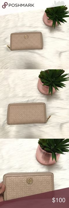 💯 Tory Burch Zip Continental Quilted Wallet Gently and lovingly used. Very clean on the inside. Zipper working smoothly. Darkening on the side of the exterior. Tory Burch Bags Wallets