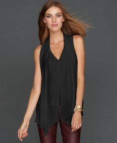 Love this top. It also comes in white! I bought the white version!