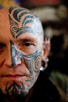 Great traditional inspired tattoo - Maori or maybe Haida? #maoritattoosface