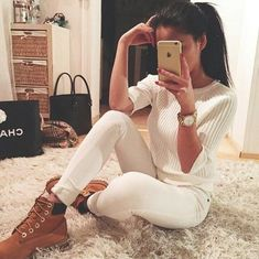 Spring Outfit - All white and Timbs || pic by IG @ninninguyen