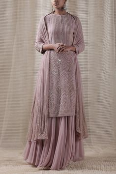Party Wear Indian Dresses, Pakistani Wedding Outfits, Designer Party Wear Dresses, Pakistani Dresses Casual, Indian Gowns Dresses, Indian Bridal Outfits, Indian Fashion Dresses, Dress Indian Style, Pakistani Dress Design