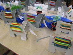 Veranstaltungen art for kids school classroom Classroom Art Projects, School Art Projects, Projects For Kids, Weaving Textiles, Weaving Art, Easter Art, Easter Crafts For Kids, Yarn Crafts, Diy And Crafts