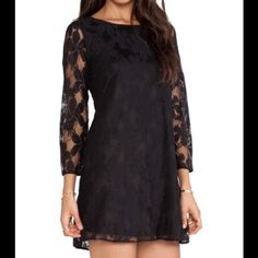Show Me Your MuMu Black lace Show me your MuMu dress. Perfect for a casual or dressy outfit. Show Me Your MuMu Dresses