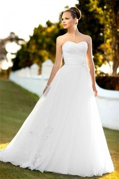 TraditionalWeddingDresses.co.za Sale Cheap A-line Court Train Sleeveless Organza Vintage Wedding Dresses V0012 Online with Fast Delivery to Cape Town, Johannesburg, Durban, South Africa and other Africa Countries.