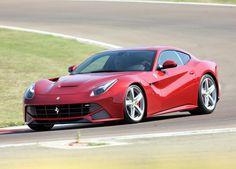 Advogado importa Ferrari F12 sem pagar IPI