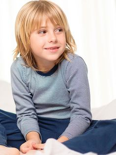 Pijama unisex de rapife con detalle bordado, prendas suaves y tradicionales en algodón.Máxima transpiración. Hecho en España.