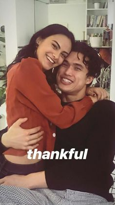 Veronica and Reggie from Riverdale are officially dating in real life. Check out Camila Mendes and Charles Melton's real-life romance timeline of their confirmed relationship! Kj Apa Riverdale, Riverdale Memes, Riverdale Cast, Riverdale Netflix, Riverdale Aesthetic, Riverdale Funny, Betty Cooper, Youtubers, Riverdale Veronica