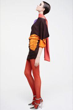 Guarda la sfilata di moda Tom Ford a Londra e scopri la collezione di abiti e accessori per la stagione Collezioni Autunno Inverno 2017-18.