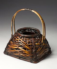 Japanese Bamboo, Bamboo Art, Bamboo Basket, Vintage Accessories, Wicker, Arts And Crafts, Baskets, Contemporary, Chic