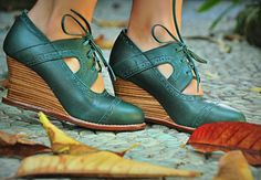 Modern retro reproduction shoes wedge style STOCKHOLM. Womens brogues / Leather booties / womens by BaliELF