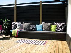 outside site-built sofa Diy Furniture, Outdoor Furniture, Outdoor Sofa, Outdoor Decor, Backyard, Patio, Outdoor Gardens, Pergola, Lounge