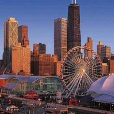 Top things to do in Chicago for a Romantic Getaway weekend.