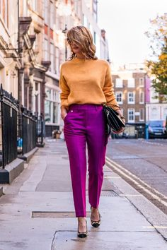 If you are still not sure, we have rounded up 5 bright colored pants that are officially the new status symbols. Browse them all. Colorful Outfits, Colorful Fashion, Love Fashion, Trendy Fashion, Metallic Skirt Outfit, Chic Outfits, Fashion Outfits, Color Combinations For Clothes, Vetement Fashion