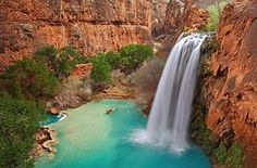The turquoise blue water of Havasu Falls is a swimming hole where people can cool down. (Photo: pommekiwi1/flickr via CC Attribution) #waterfall