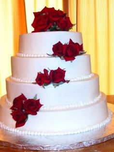 Never thought of wedding cheesecake before, but that would be good since Kyle loves cheesecake and its his favorite.